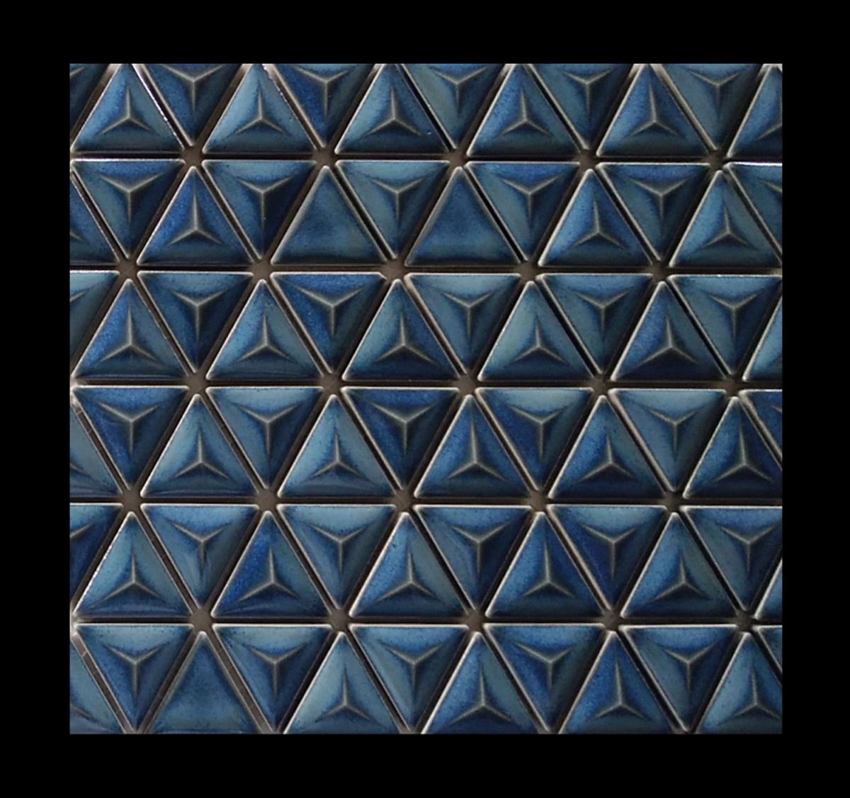 24 7 S Pyramid Japanese Mosaic Tile In 2021 Mosaic Triangle Tiles Pool Designs