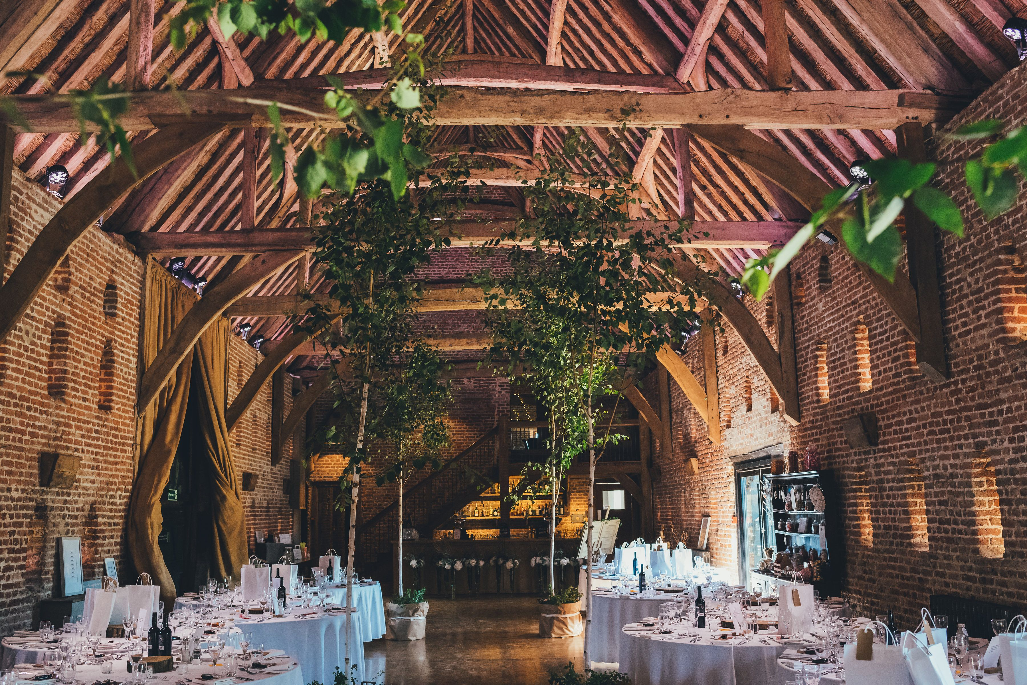 Hales Hall And The Great Barn Is The Perfect Venue For A Magical Wedding Or Private Party It S In The Heart Of The Norfolk Countryside Just 12 Miles Lavebryllup