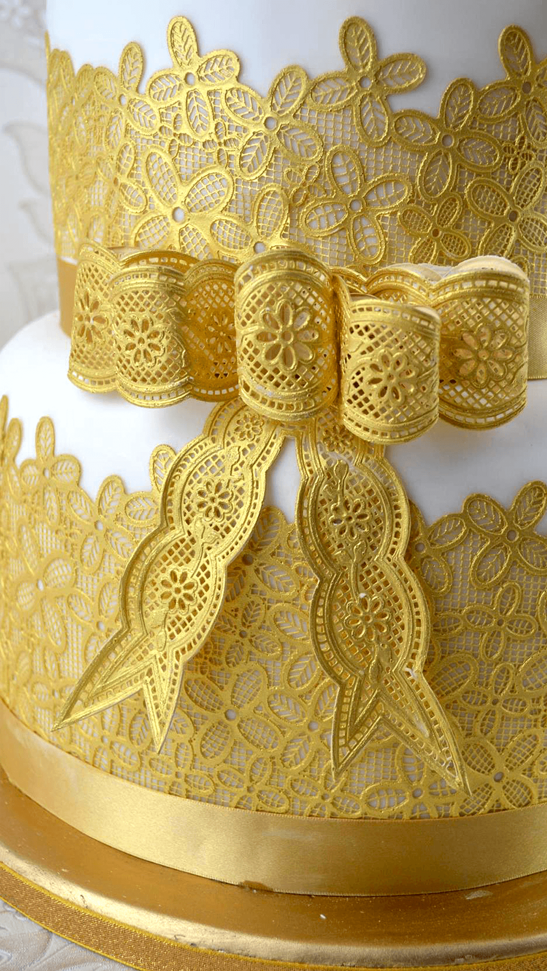 Vintage Bows Cake Lace Mat By Claire Bowman Featuring
