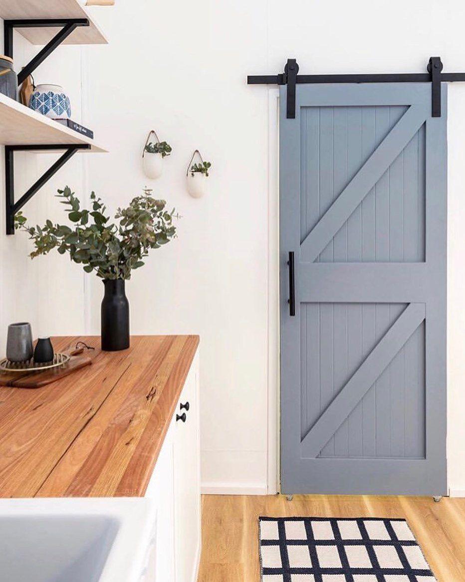 Reno Drzwi Przesuwne On Instagram To Juz Conajmniej Dziesiate Niebieskie Drzwi Ktore Pojawiaja Sie Na Naszym Instagr Design Modern House Design House Design