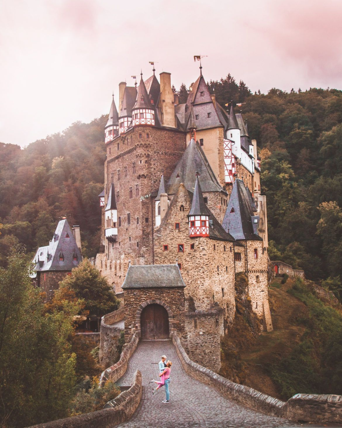 Burg Eltz One Of The Most Beautiful Fairytale Castles In Germany That You Need To Visit Germany In 2020 Fairytale Castle Germany Castles Beautiful Castles