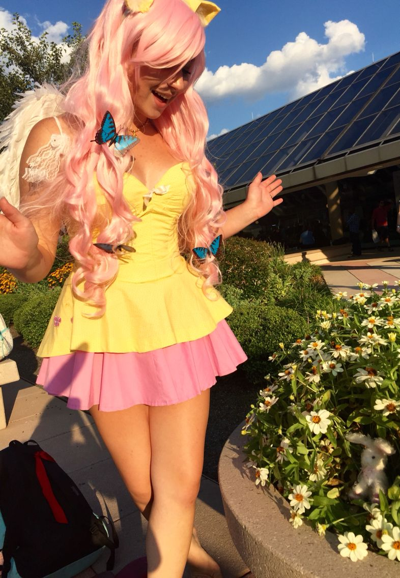 Fluttershy Cosplay http://geekxgirls.com/article.php?ID