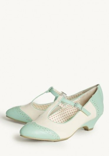 Love mint color and the heels!