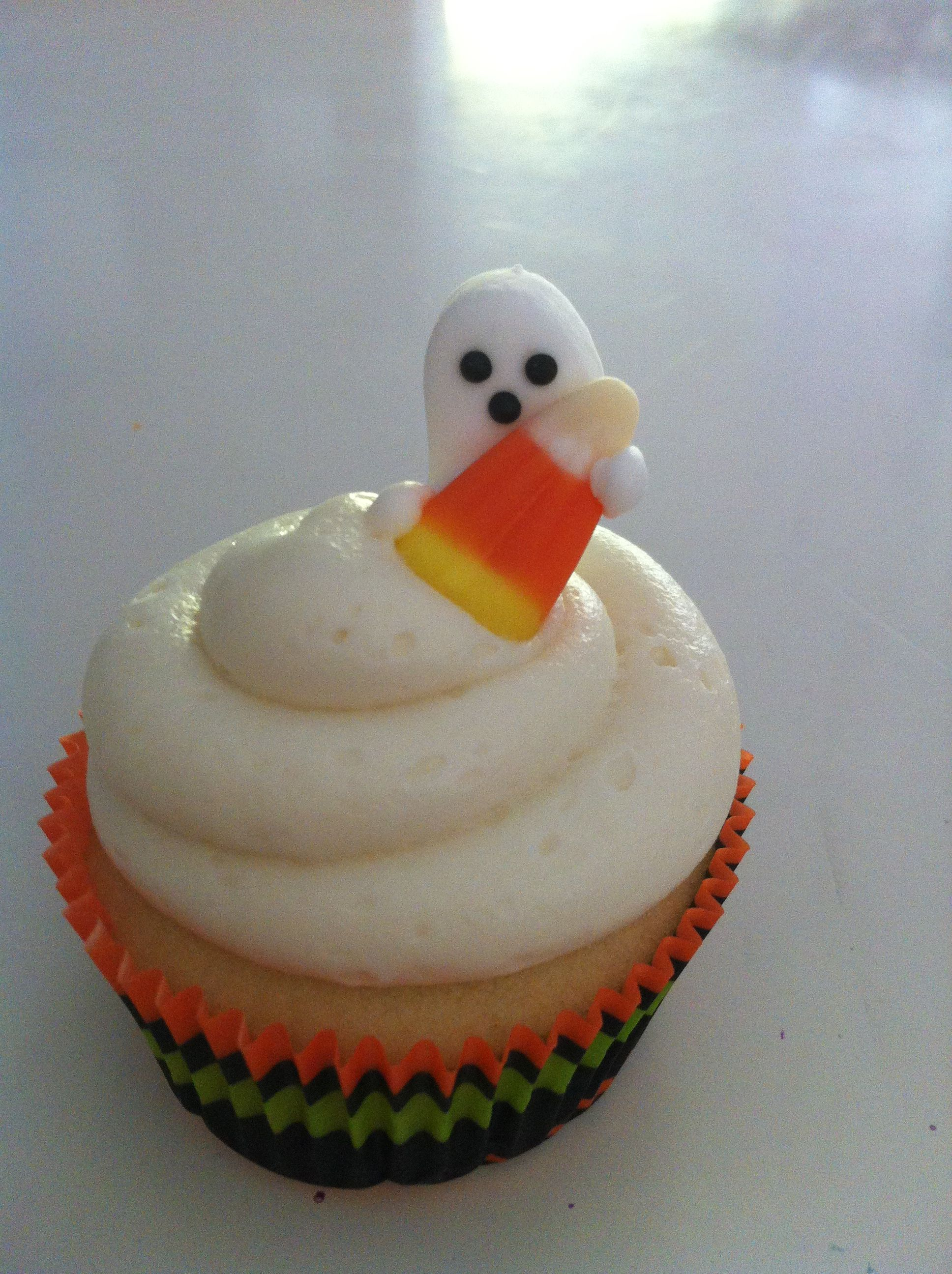 Halloween cupcakes made from scratch by me....Traci Fullerton