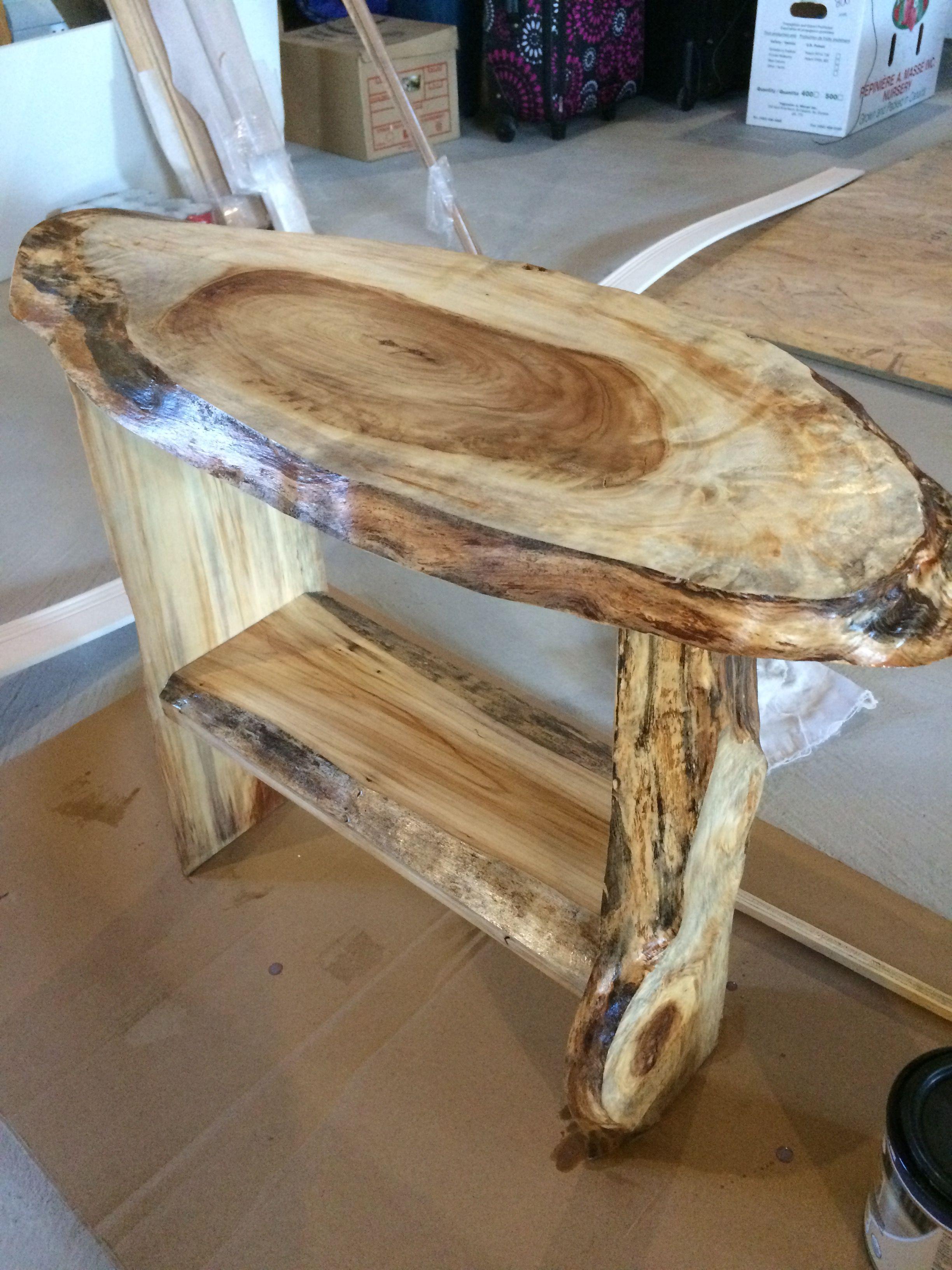 Petite Table Caf Faites Avec De Beaux Morceaux De Bois