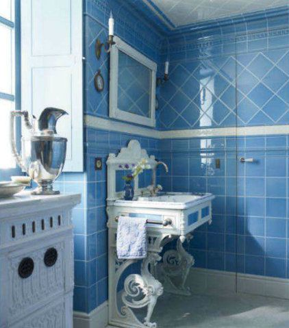 Traditional Style Bathroom With Cornflower Blue Tiles And