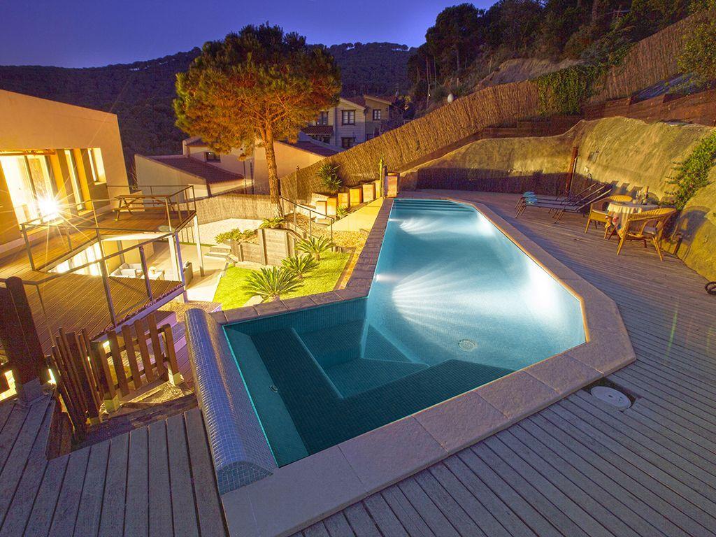 Villa From The Beach Near Barcelona