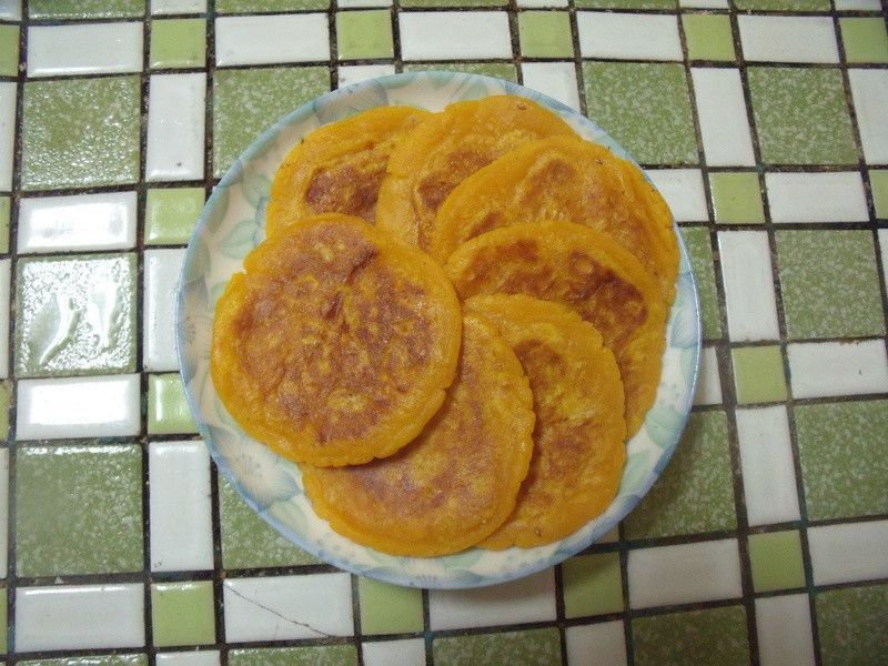 Yam pancake mochi 簡單好吃的-地瓜煎餅
