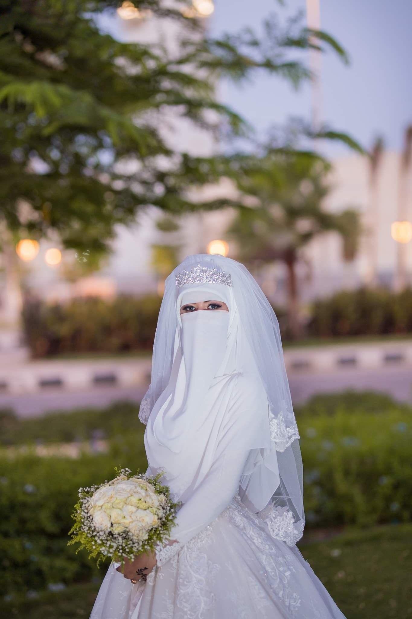 Pin Oleh Alexa June Di Marriage