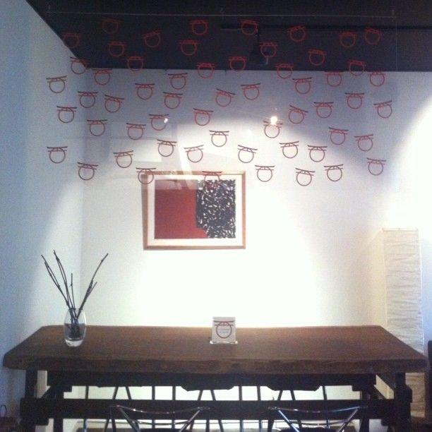 〇之基金 - Zero Foundation チャリティ用ステッカーインスタレーション全景 #〇之鳥居 #exhibition #yellart #ar7zwork #installation #OPerch #multiple #sticker