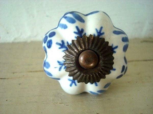bouton de porcelaine d cor bleu r tro boutons de porte fantaisie pinterest. Black Bedroom Furniture Sets. Home Design Ideas