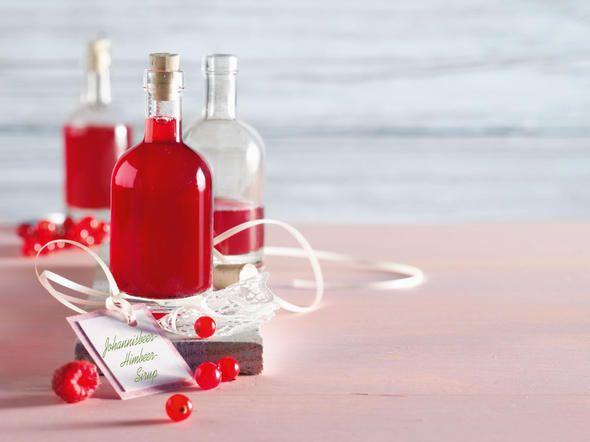 Zutaten für ca. 450 ml500 g Erdbeeren (vorbereitet gewogen)250 ml Wasser500 g Diamant Sirupzucker1 VanilleschoteZubereitungErdbeeren