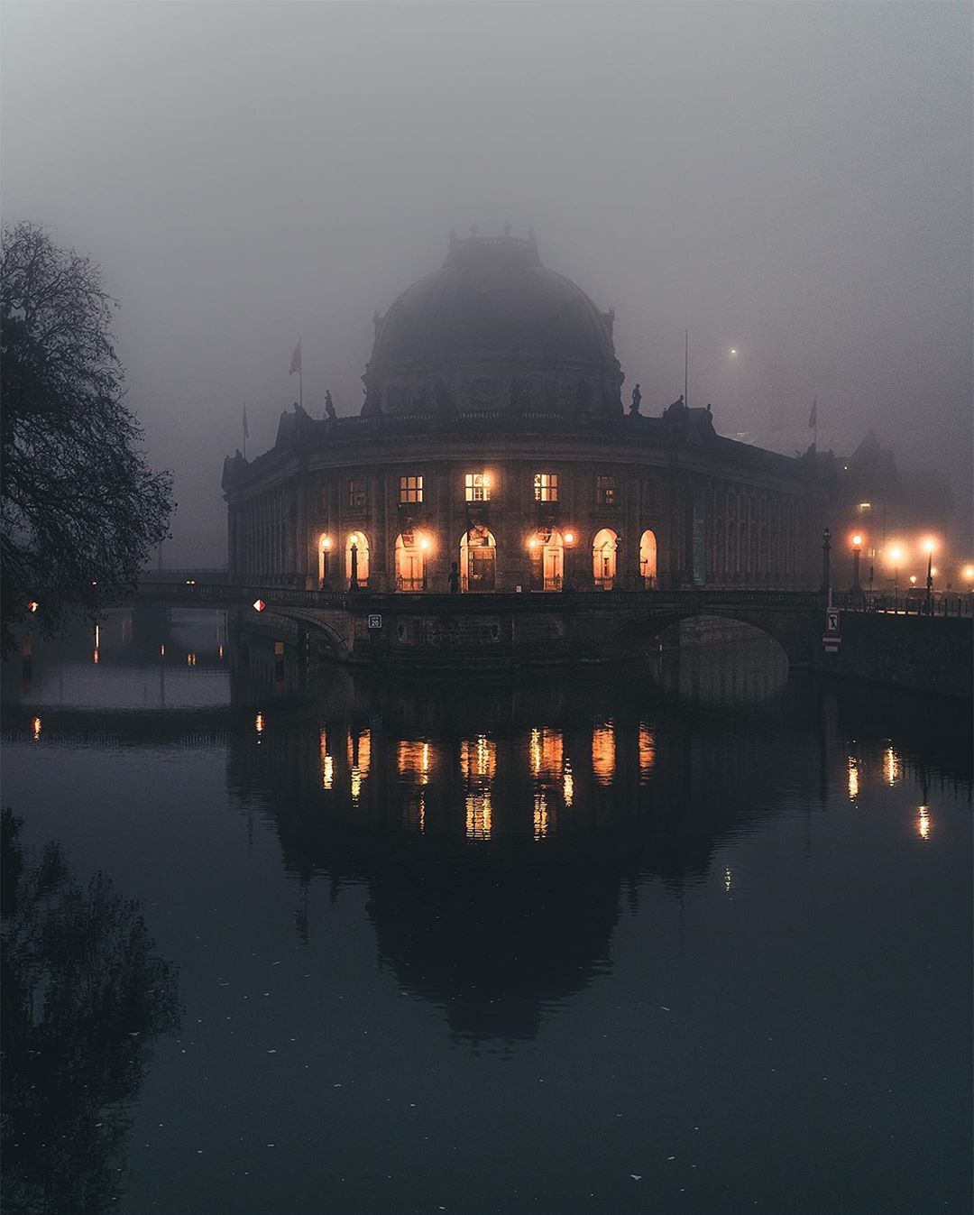 Marcello Zerletti Auf Instagram Museum Island This Morning Foggy Moody Atmosphere At Its Best I Wish You A Fantastic Day Werbung Museum Insel Insel Museum