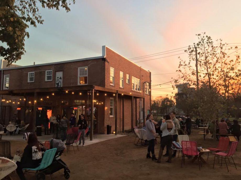 Axelrad Beer Garden Opens Its Doors And With It Its Expansive Patio Beer Garden Houston Bars Beer