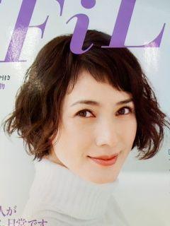 ボブ ショートヘアで魅せる 安田成美さんのキュートな髪型まとめ