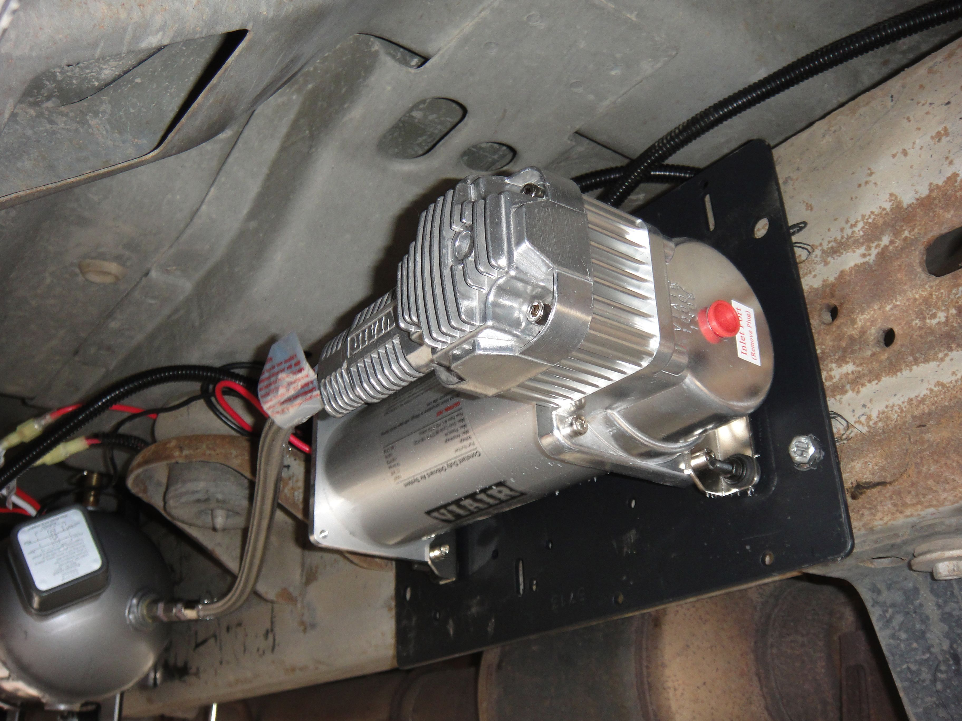 medium resolution of on board air compressor mounted to truck frame
