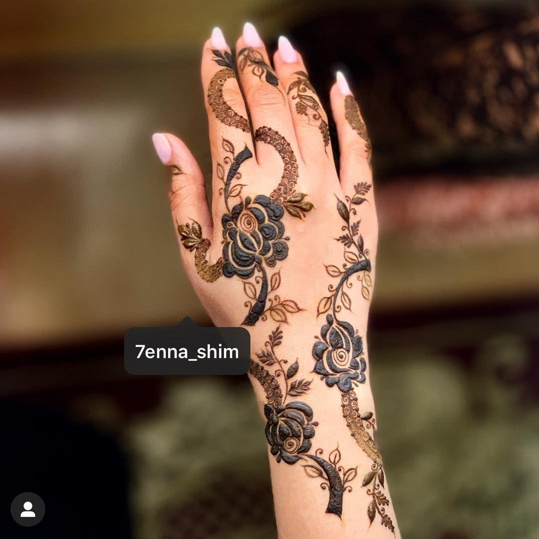 شيماء الزدجالي On Instagram ماشاءالله اذا عجبكم حطولي قلوب Henna Designs Hand Henna Designs Best Mehndi Designs
