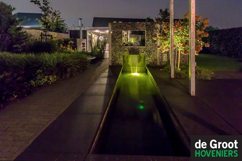 in lite verlichting moderne tuin waterspiegel schanskorf rvs waterspuwer