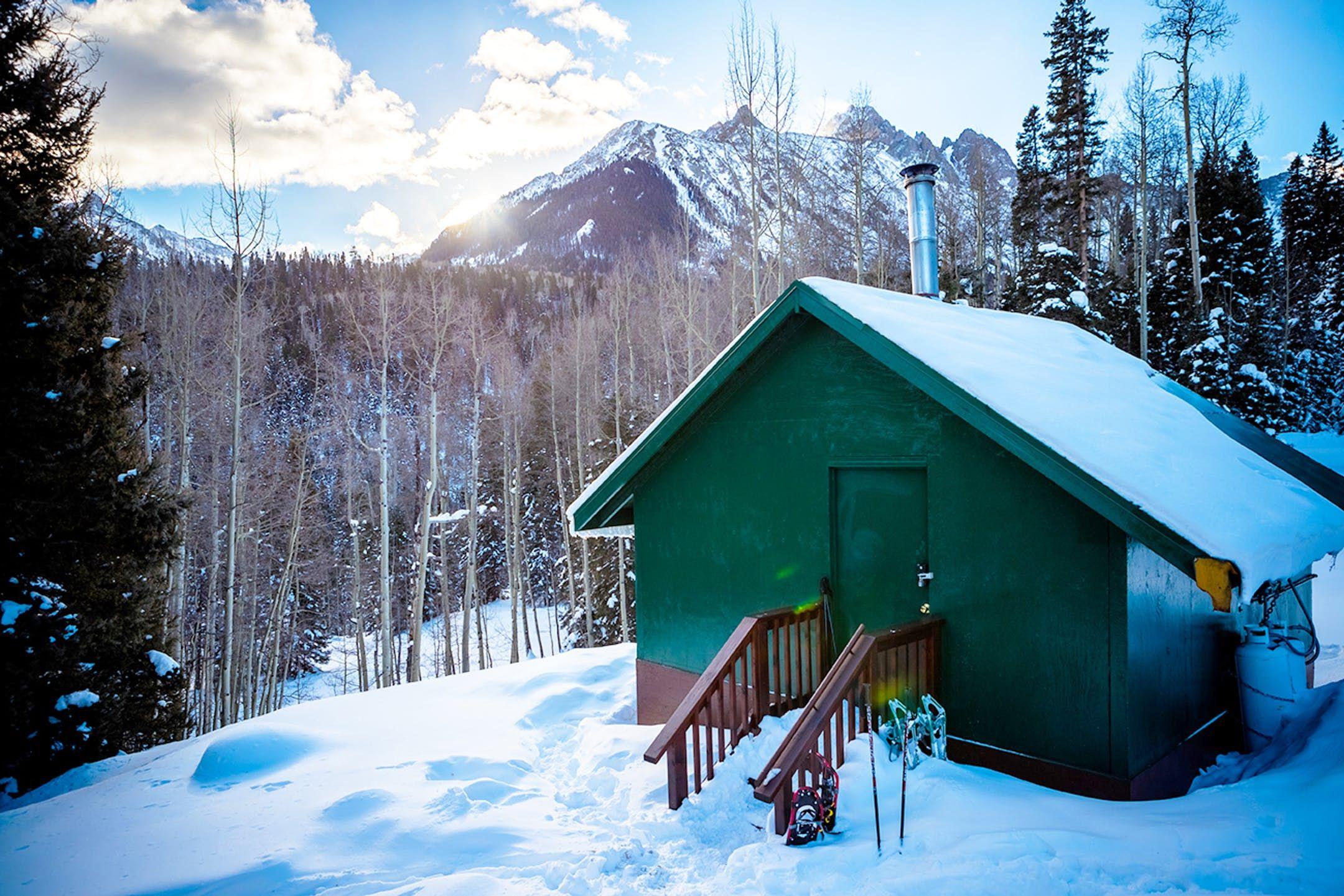 This HuttoHut Ski Trip in Colorado Is the Escape You