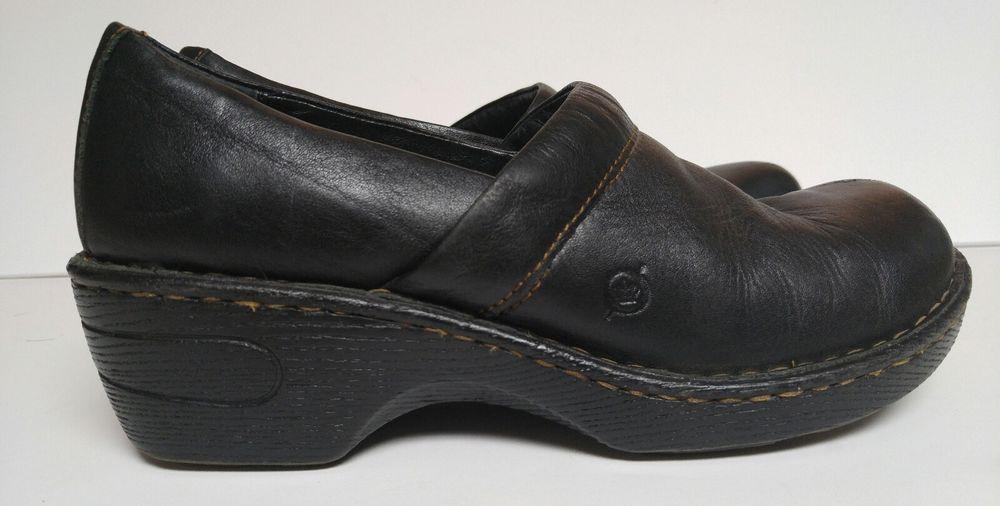 clarks womens 8M  black leather clogs 2 1/4 heel slide in