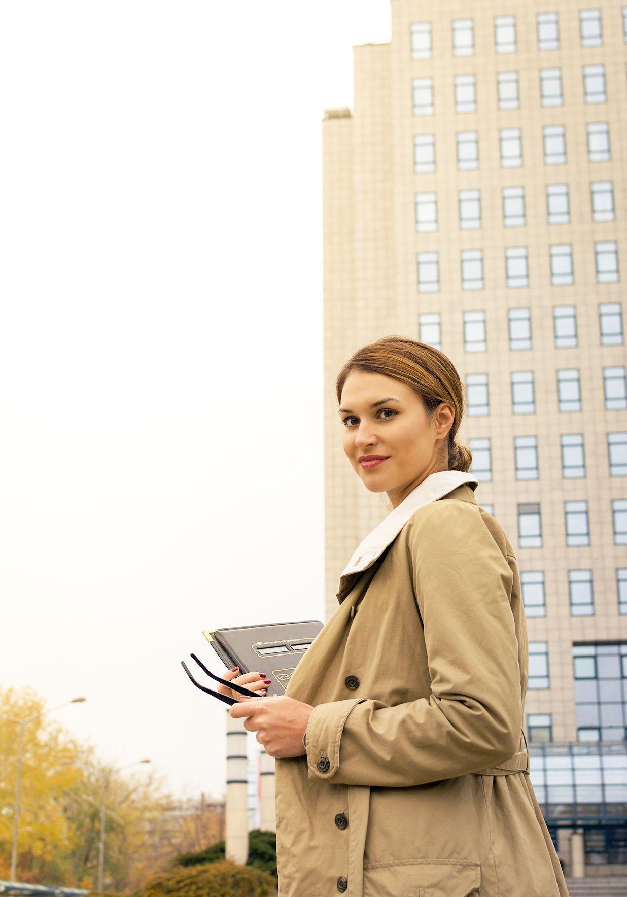 Business woman #portrait #business #girl