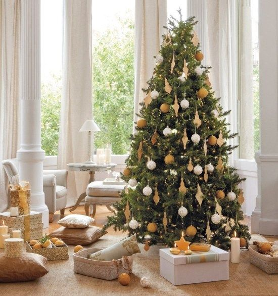 Christbaum Deko Ideen Traditioneller Schmuck Holz Figuren Engel