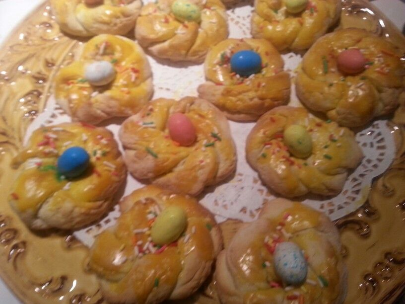 Easter Cookies recipe from Aunt Margaret Carrozza. Instead of the real egg I used Chocolate Eggs