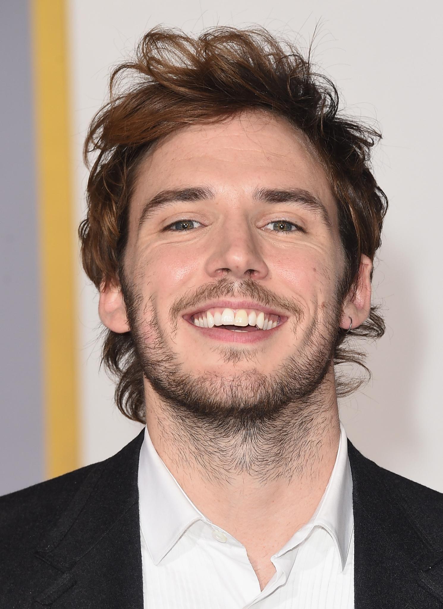 Hombre Cabello Corto Sonriendo Sam Claflin Actores Británicos Actors