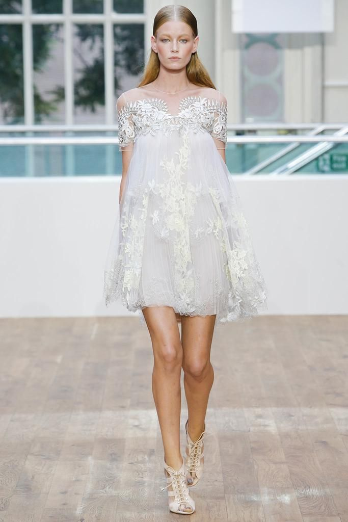 Julien Macdonald Spring 2015 Ready-to-Wear - Collection - Gallery - Look 18 - Style.com | Le Fevrier |