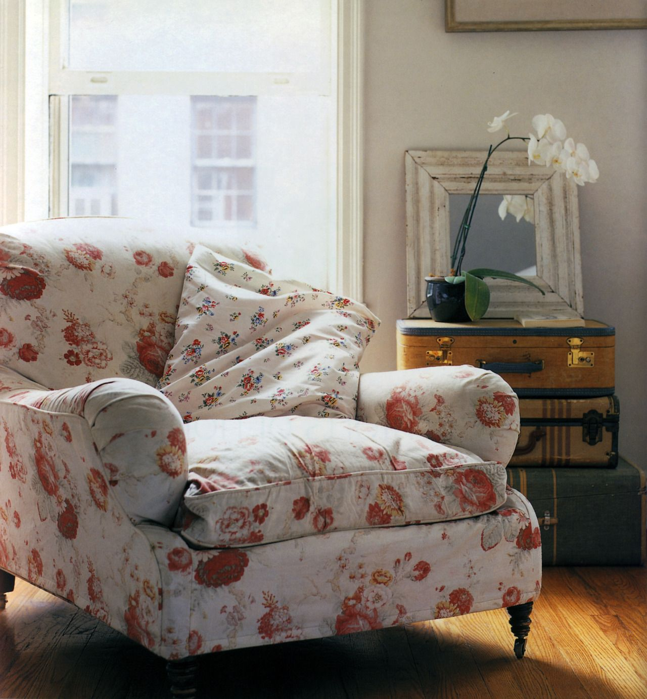 Floral And Floral Overstuffed Chairs Furniture Comfy Chairs #overstuffed #chairs #for #the #living #room