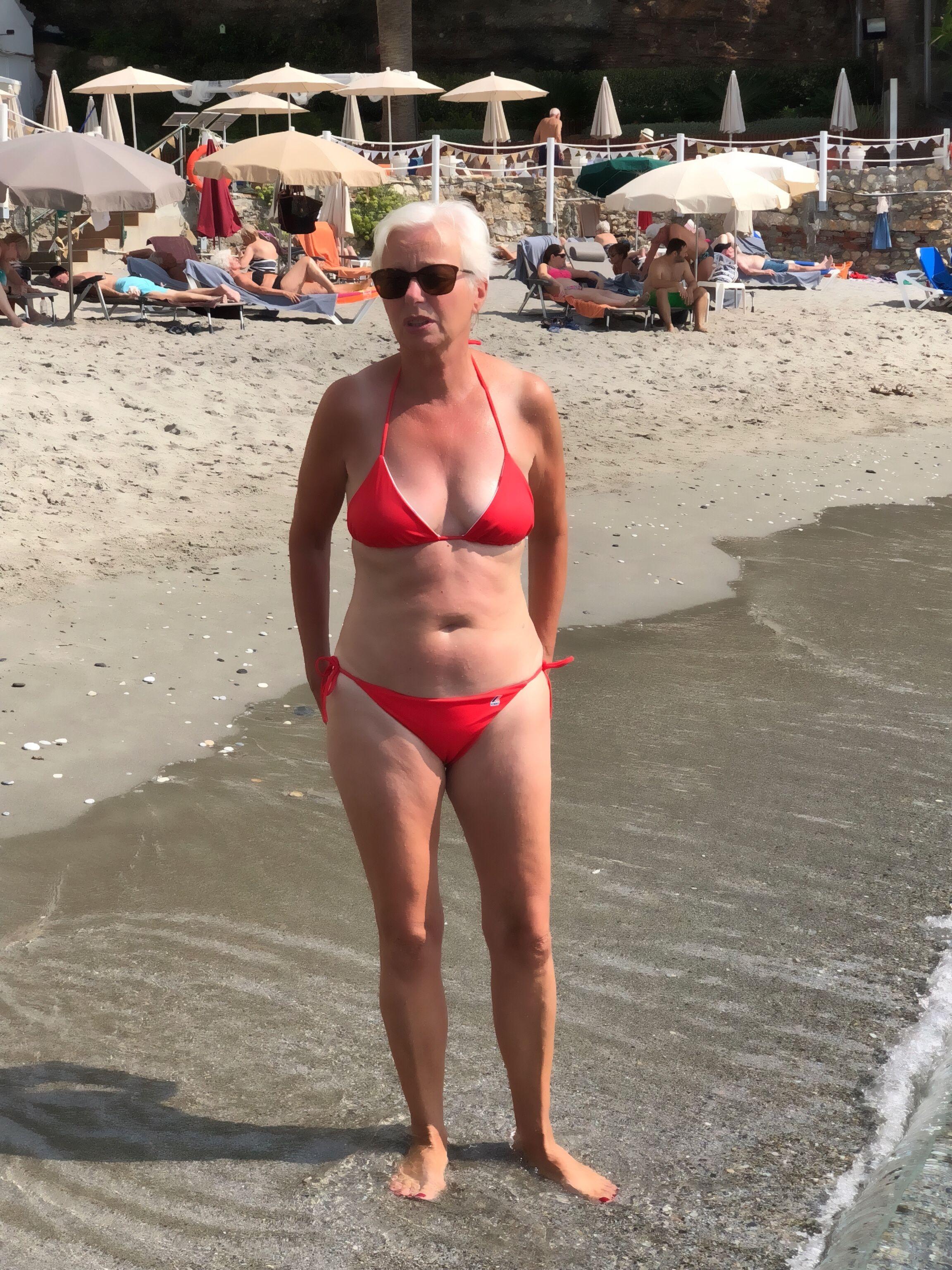 Pin On Sexy Older Women