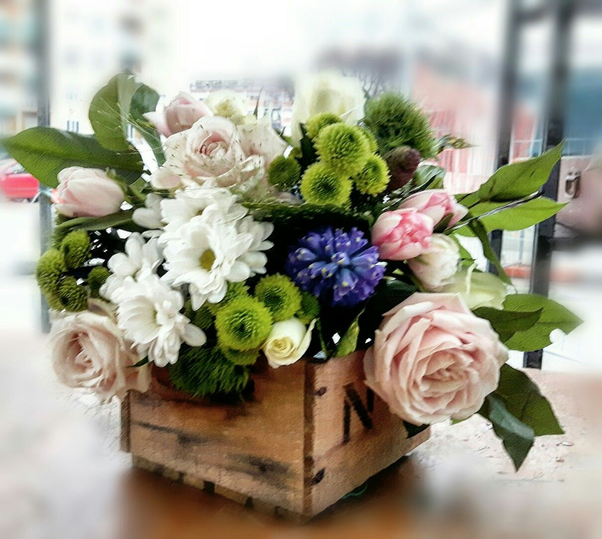 This is such a beautiful arrangement! I want to send this to everyone I love