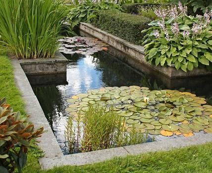 Gartenplanung Wie Man Garten In Raume Einteilt Garten Wasserspiel Garten Aussenbrunnen