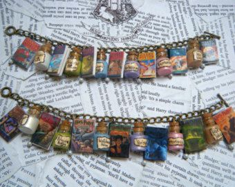 Deluxe Harry Potter Books and Potions Charm Bracelet (UK and USA Versions Available)