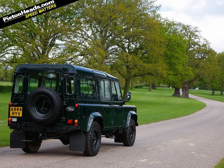 Driving the queens v8 land rover land rover expedition