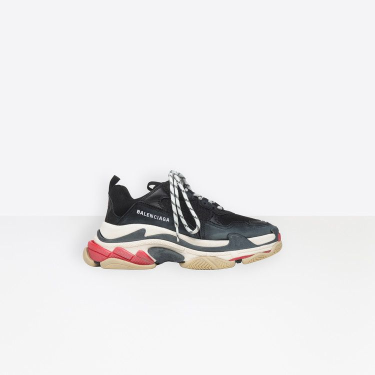 4d00134a18617 Balenciaga Oversized multimaterial sneakers with quilted effect. Triple S  Trainers Black   Red