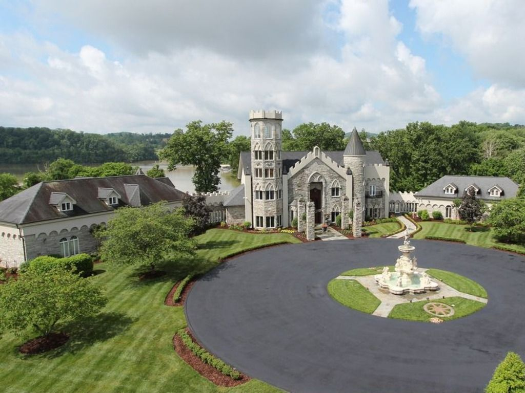 These Homes Could Be Your Castle Castle House American Castles Johnson City