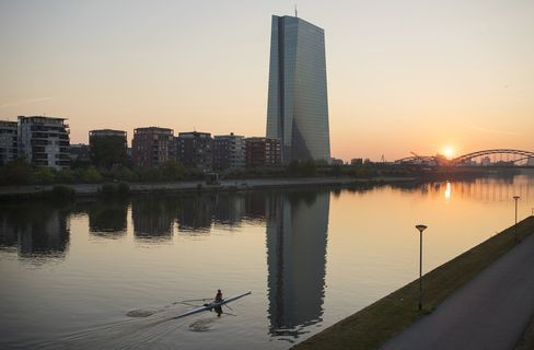 After Selloff Bond Investors Await Inflation Data for ECB Clues