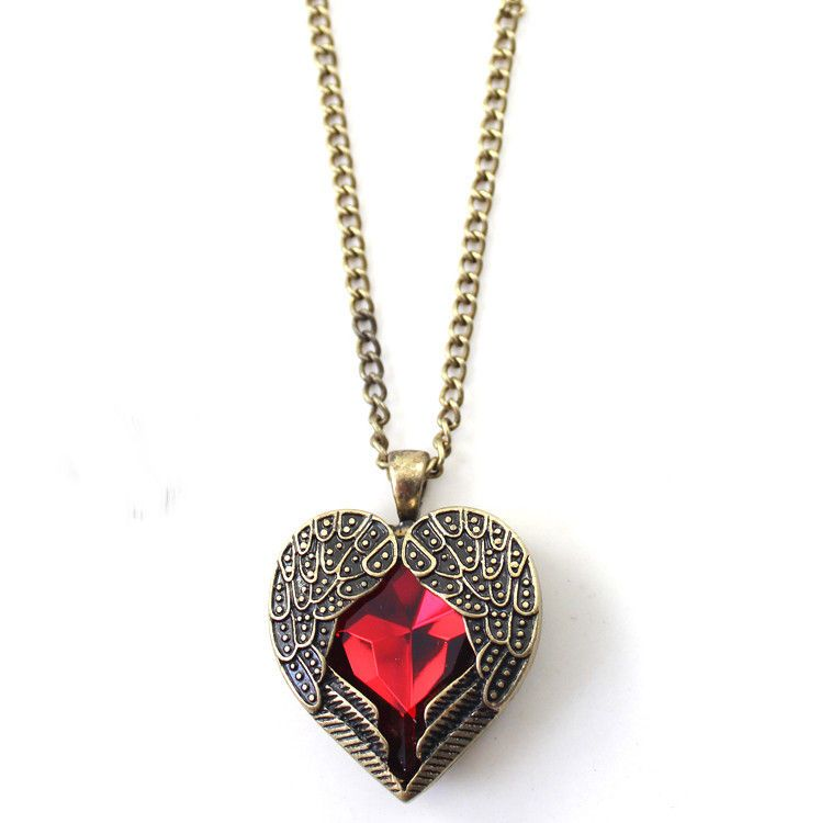 WING HEART NECKLACE - product image
