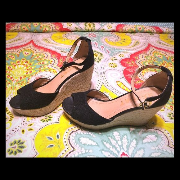 Report espadrilles size 6.5 Adorable and comfy! Stylish ankle strap. Cute crochet design on black material. Purchased at Macy's spring 2014. Gently used. Size 6.5. Report Shoes Espadrilles