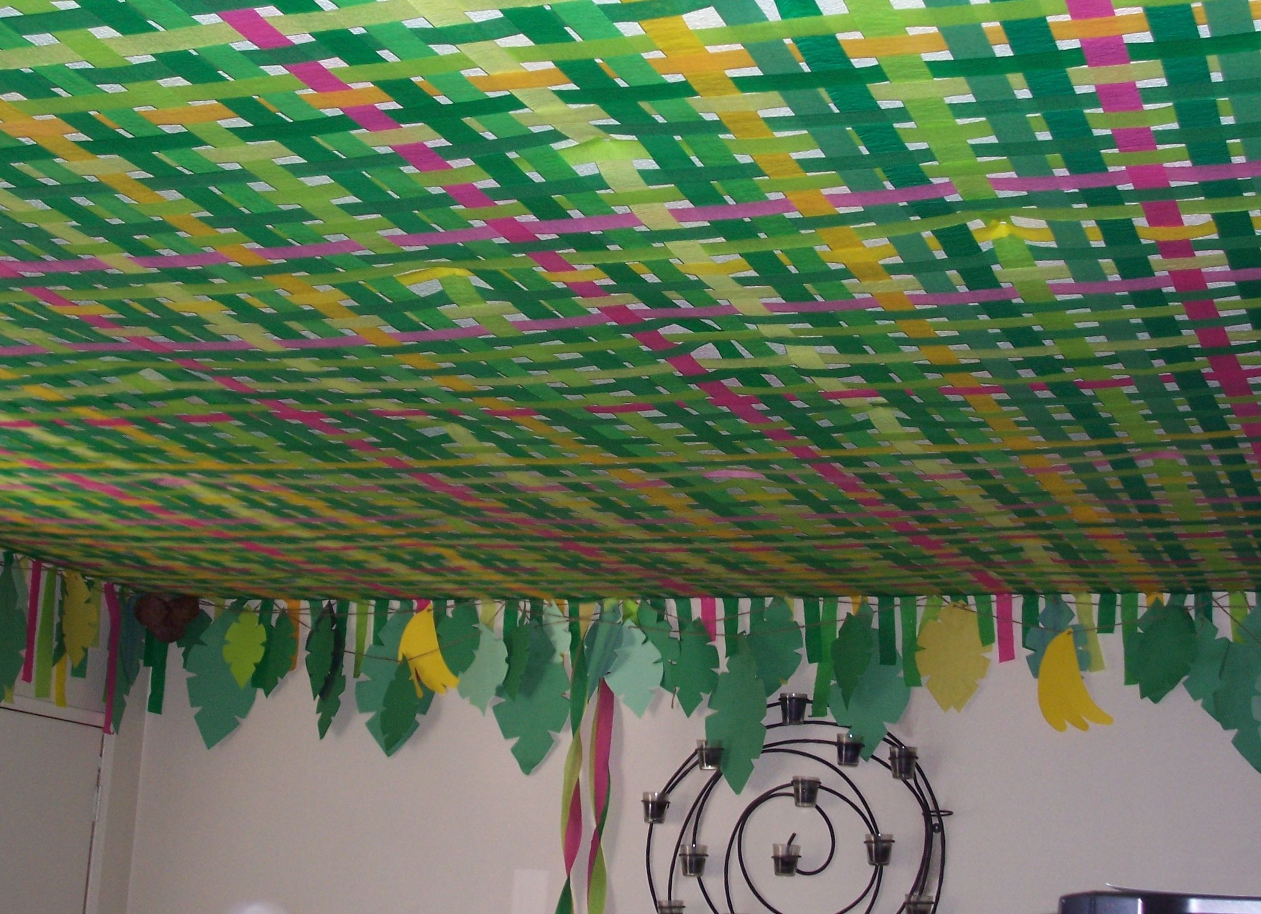 another angle of the jungle theme party woven-streamer-ceiling