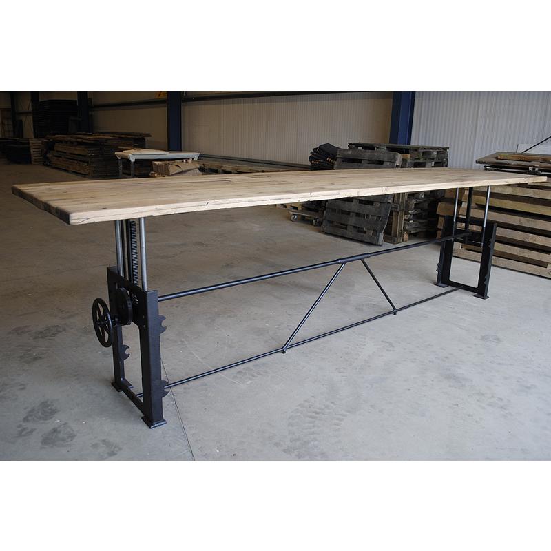 In hoogte verstelbare industriele tafel - opdraai tafel