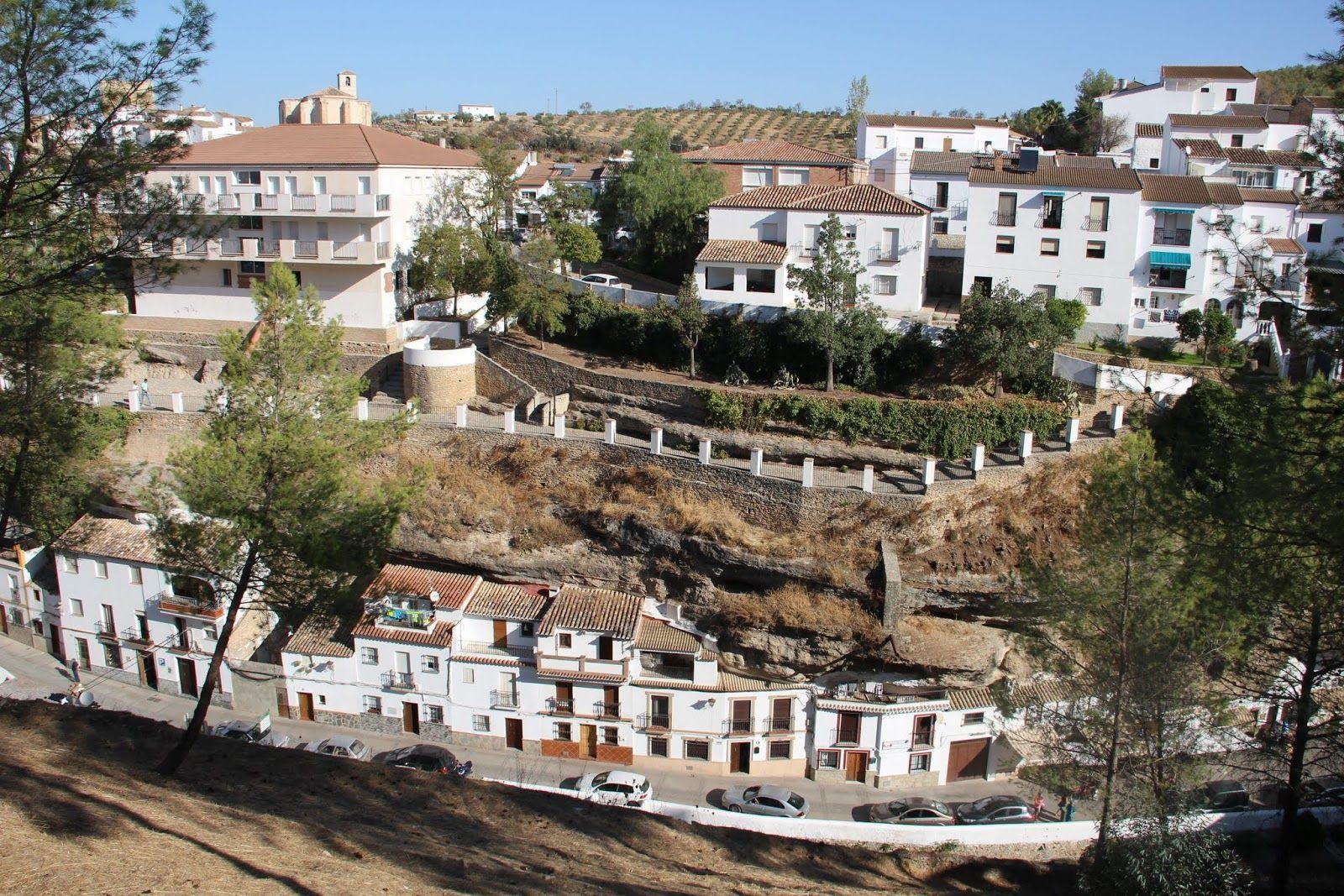 Toda La Información Sobre Setenil De Las Bodegas Pueblo De Cádiz Qué Ver Alojamientos Rurales Donde Dormir Opinion Alojamiento Rural Casas Rurales Bodegas