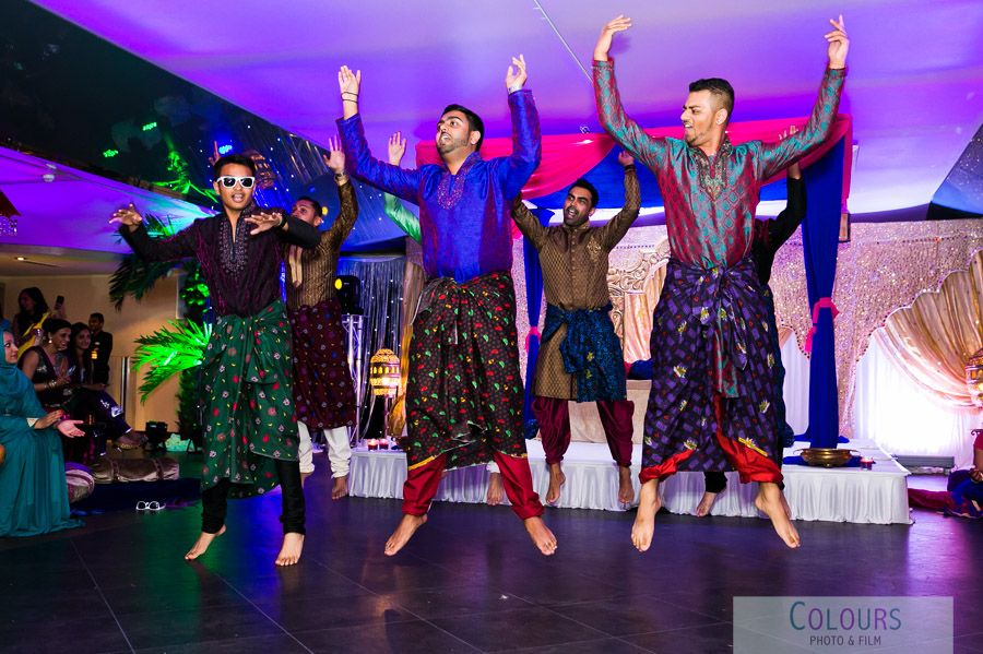 asian wedding photography east midlands%0A Mehndi evening at City Pavilion  East London  u     A night to remember
