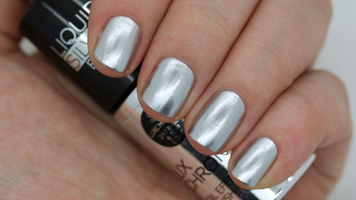 Nail Polish Foil Effect- HireAbility