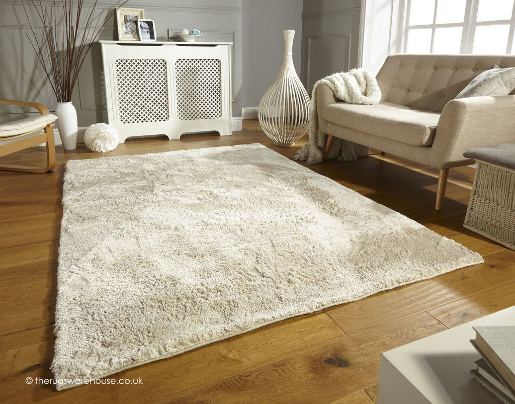 Wisp Cream Rug A Soft Machine Woven Shaggy With Short Thick Pile 100 Polyester Http Www Therugswarehouse Co Uk Html Rugs