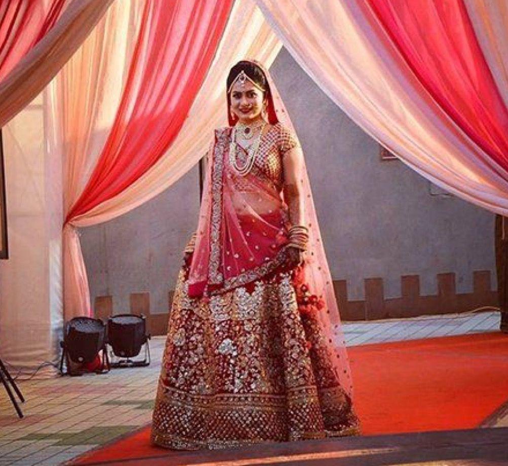 Aishwarya rai wedding dress  Pin by Puneet Madhogaria on AMBIKA FASHION STUDIO  Pinterest  Fashion