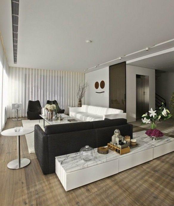 wohnzimmer inspirationen mit sofas weiß und schwarz und sideboard - wohnzimmer dekorieren schwarz