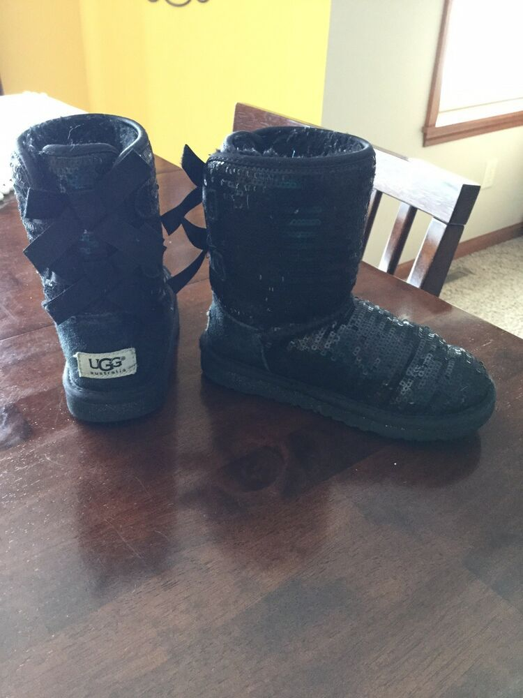 5afc061bc28 UGG Australia Bailey Bow Sparkle Kid's Black Sequined Boots Girls 13 ...