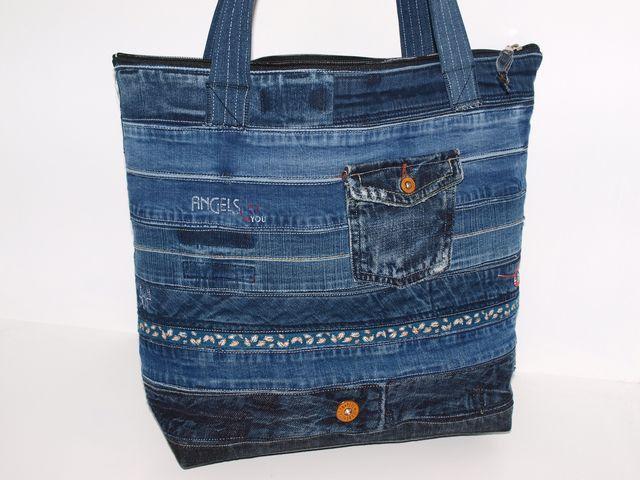 schultertaschen jeanstasche converted schultertasche upcycle ein designerst ck von. Black Bedroom Furniture Sets. Home Design Ideas
